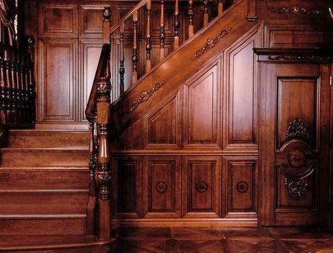 实木楼梯护墙板的价格为每平方136元
